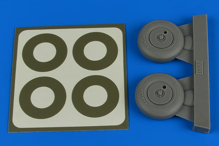 Spitfire Mk.IX wheels (covered) & paint masks - Tamiya - / 1:32