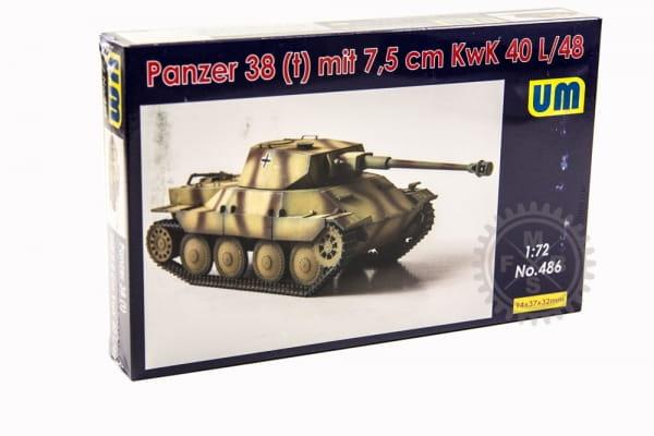 UM486