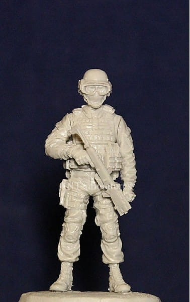 Officer of Spetsnaz with Corner Shot .Russia / 1:35