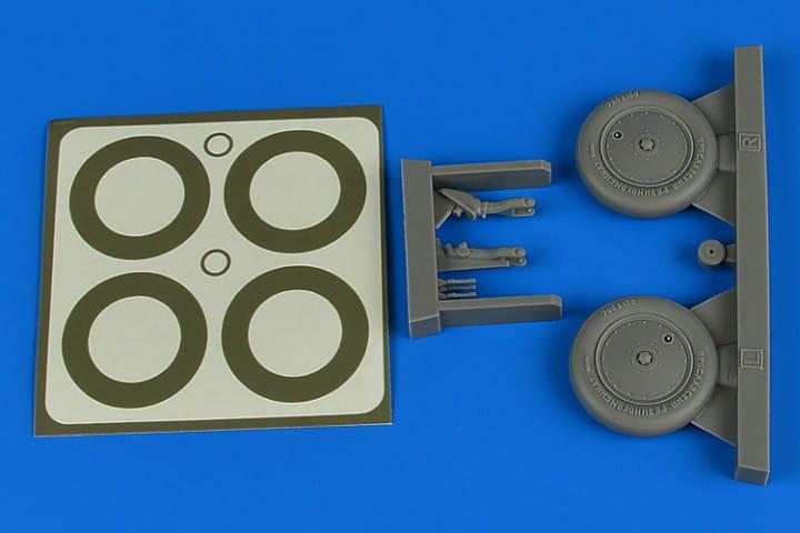 I-16 wheels & paint masks - ICM / Hasegawa / Revell - / 1:32